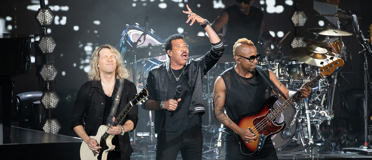 Lionel Richie performs at DTE